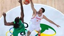 Ir al VideoRío 2016. Baloncesto | España cae ante Brasil