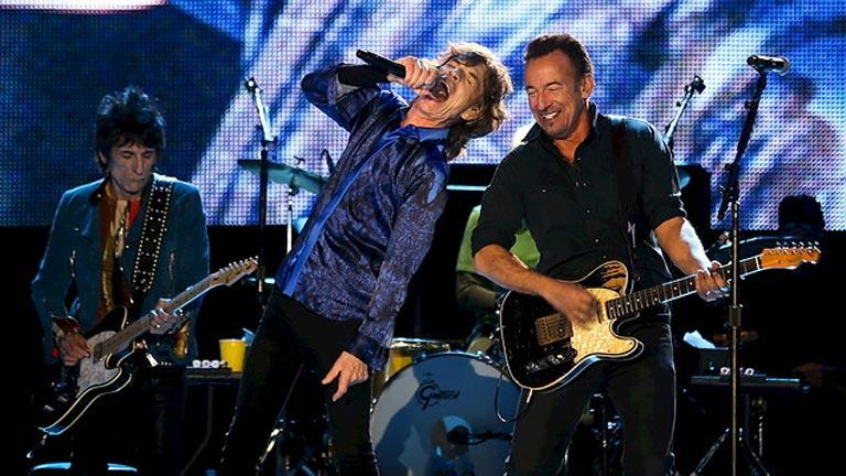 Los Rolling Stones y Bruce Springsteen comparten el 'Tumbling Dice' en el escenario de Lisboa