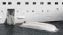 Ir al VideoLa rotura del cabo de proa del bote accidentado en Santa Cruz de La Palma provocó que cayera y quedara boca abajo