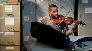 'El profesor de violín': música clásica en las favelas