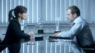 RTVE.es estrena el tráiler de 'La punta del iceberg', un thriller laboral con Maribel Verdú