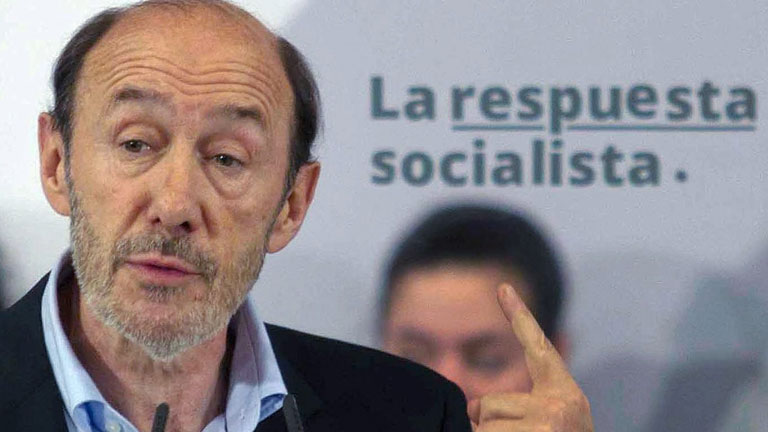 """Rubalcaba acusa a la """"derecha"""" de hacer un """"ajuste de cuentas del Estado del bienestar"""""""
