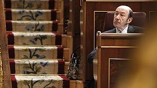 """Rubalcaba critica el baile de cifras sobre el déficit y califica el debate de """"poco razonable"""""""