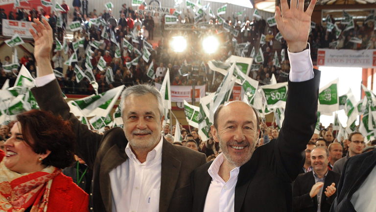 Rubalcaba dice que Andalucía es un ejemplo de una buena sanidad sin recortes