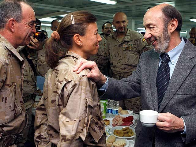 Rubalcaba visita a las tropas españolas en Afganistán