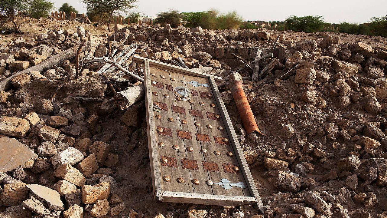 Ruinas de un mauselo destruido por los yihadistas en Tombuctú (archivo). REUTERS/Joe PenneyFiles