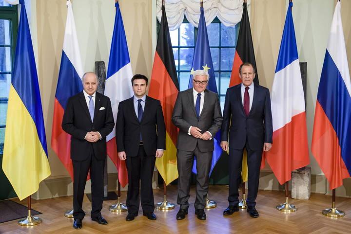 Rusia y Ucrania se reúnen en Berlín para hacer avanzar el Acuerdo de Minsk