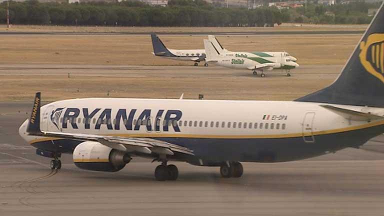 Ryanair acusa a Fomento de falsear datos para acusar a la compañía de violar las leyes españolas