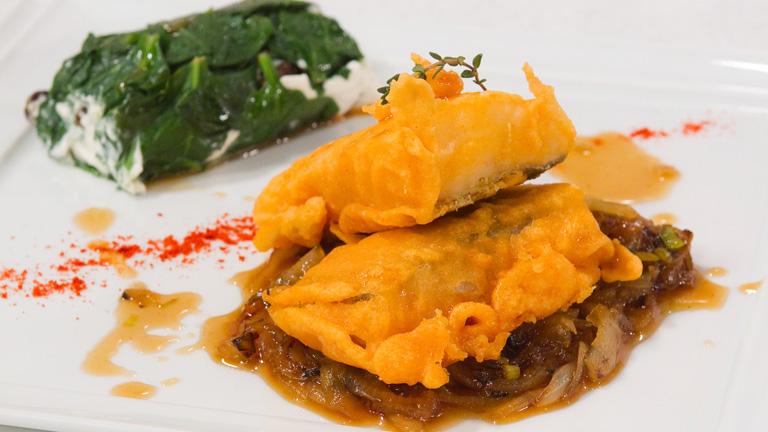 Bacalao rebozado en salsa con espinacas al queso for Cocinar espinacas