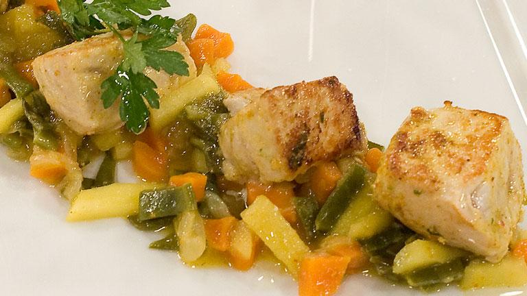 Bonito marinado con verduras a la plancha - Cocinar a la plancha ...