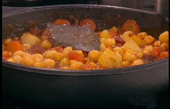 Saber cocinar garbanzos con mejillones la ma ana for Cocinar garbanzos