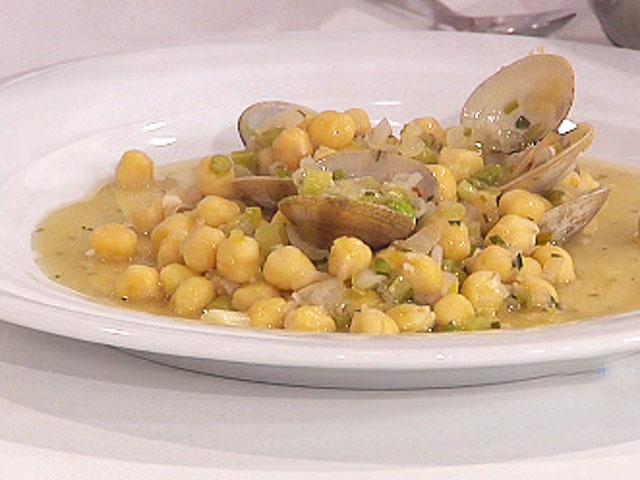 Saber comer garbanzos salteados con marisco en salsa for Cocinar garbanzos