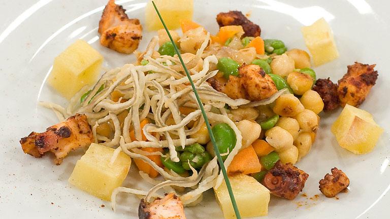 Garbanzos salteados con verduras y pulpo for Cocinar garbanzos