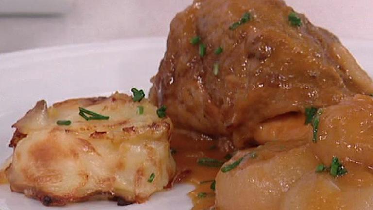 Jarretes de cordero estofados con patatas al horno 21 03 for Cocinar patatas al horno