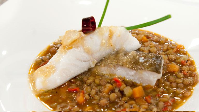 C mo preparar lentejas estofadas con bacalao for Cocinar cocochas de bacalao