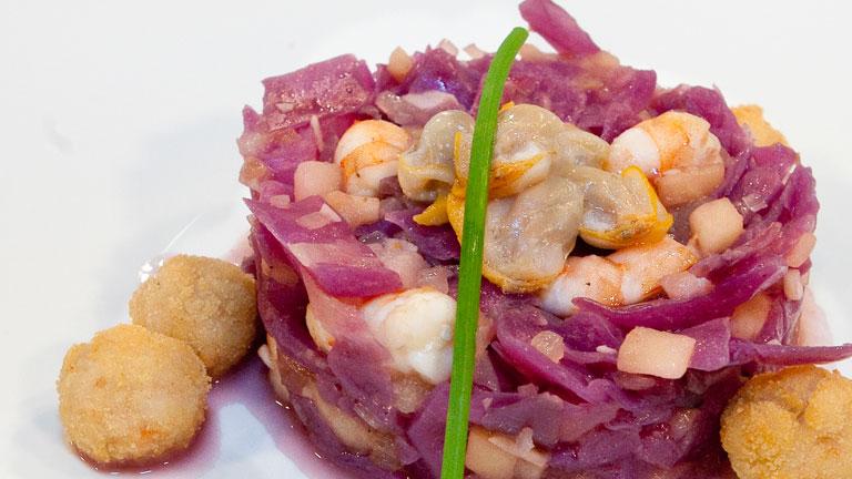 Saber cocinar lombarda con marisco y frutos secos la for Cocinar lombarda