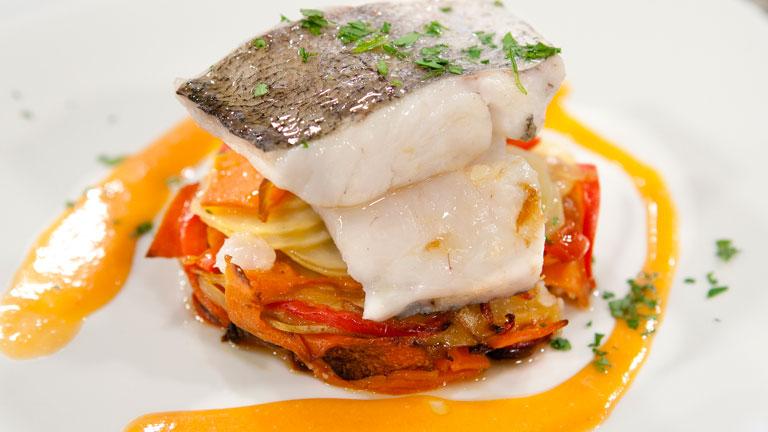 saber cocinar lomos de pescadilla al horno con salsa