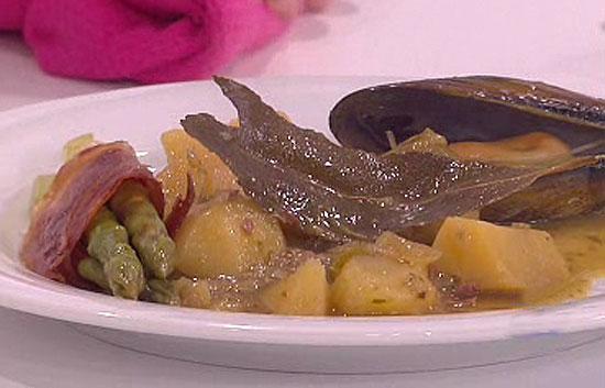Saber cocinar patatas en salsa verde con mejillones for Cocinar mejillones en salsa