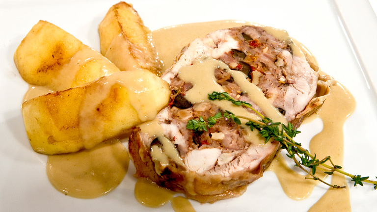 Pollo relleno con salsa de manzana - Salsas para el pollo al horno ...