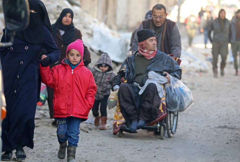 Salir de los distritos sitiados de Alepo