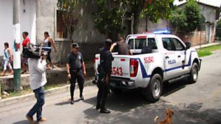 En Portada - El Salvador busca salvador