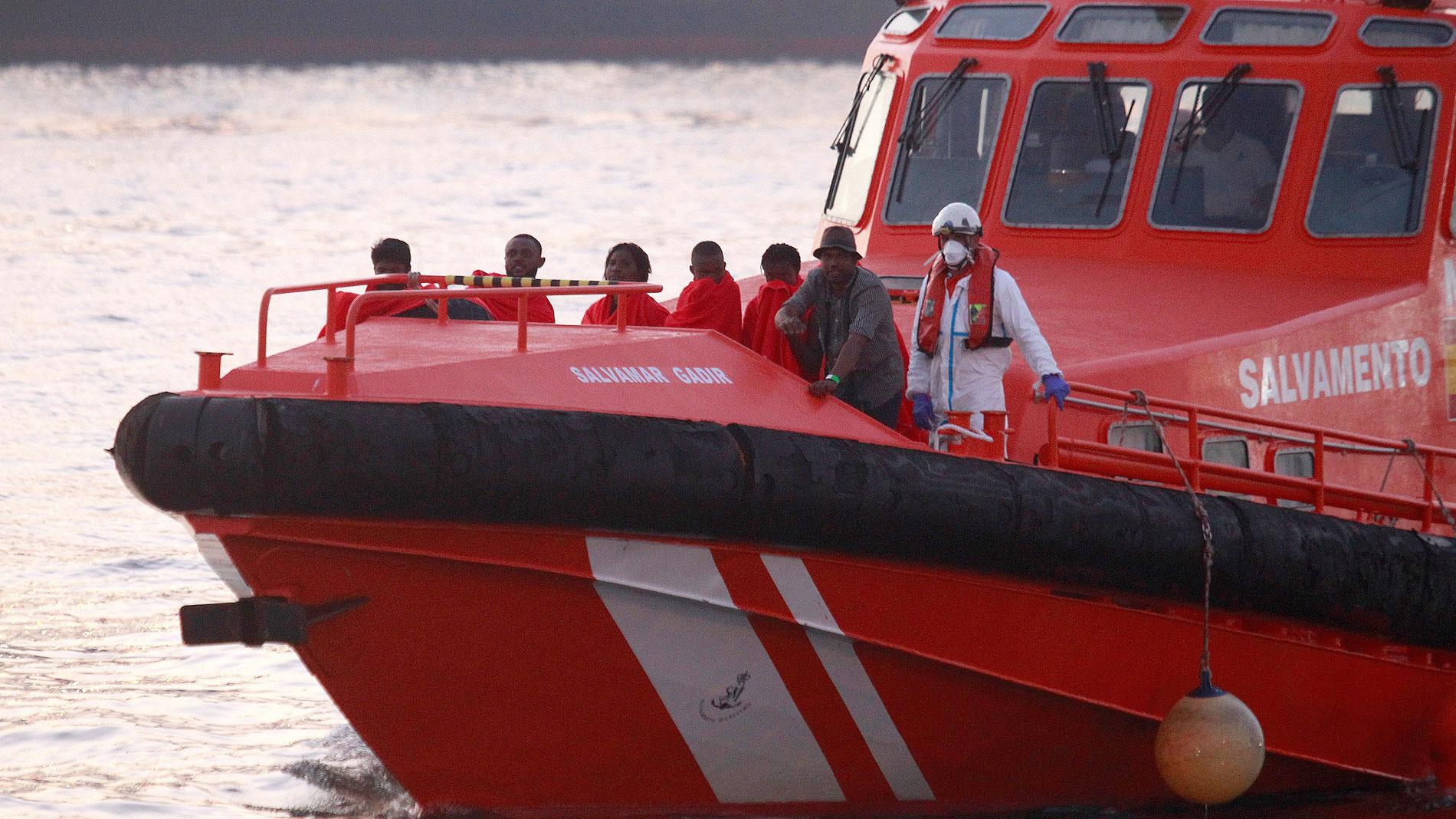 Ir al VideoSalvamento Marítimo rescata a casi 400 personas que viajaban en pateras