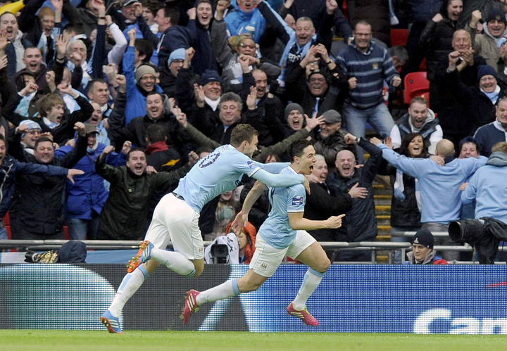 Samir Nasri celebra el segundo gol del Manchester City al Sunderland