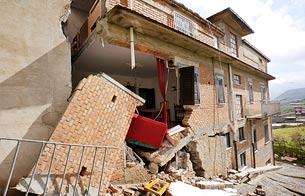 Un desprendimiento amenaza un pueblo de Sicilia