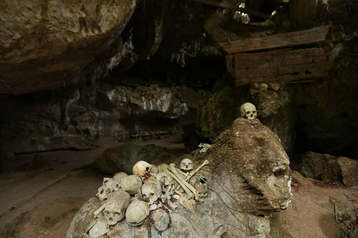 Santuario mortuorio en la isla de Sulawesi (Indonesia)