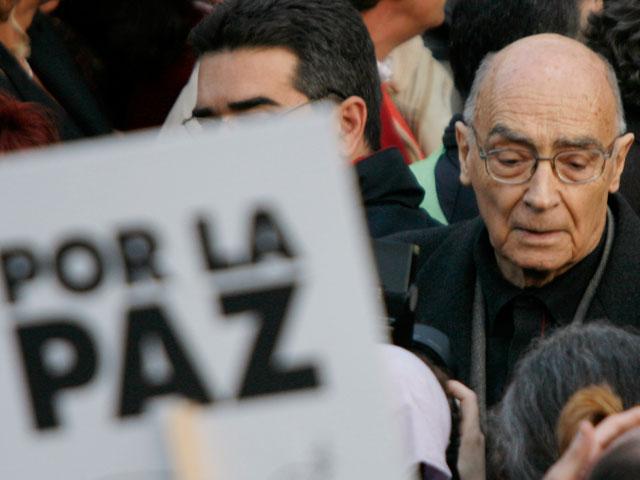 Imposible bucear en la vida de José Saramago sin mencionar su compromiso político