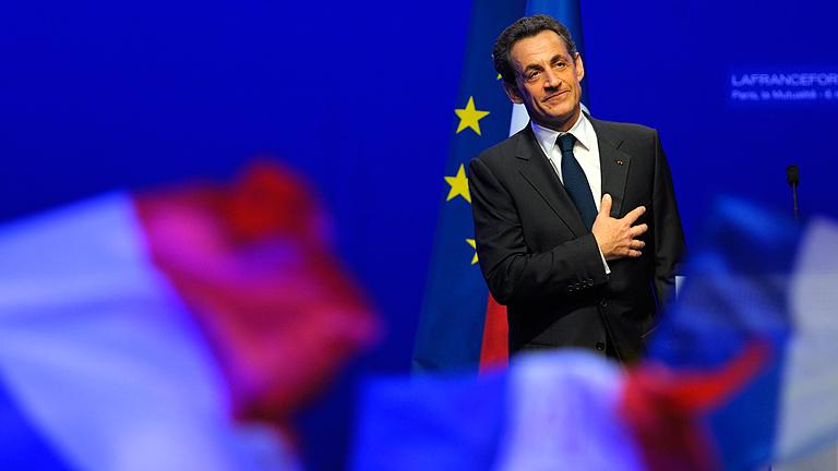 Sarkozy anuncia su vuelta a la primera línea de la política francesa