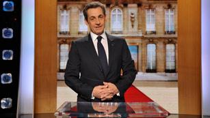 Sarkozy niega haber recibido dinero de Muamar al Gadafi