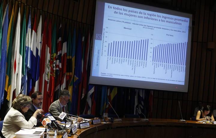 La Secretaria Ejecutiva de la Cepal, Alicia Bárcena, durante la presentación del informe sobre el panorama social en América Latina