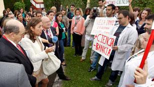 La secretaria de Estado de I+D anuncia que disminuirá el número de becas como la Ramón y Cajal