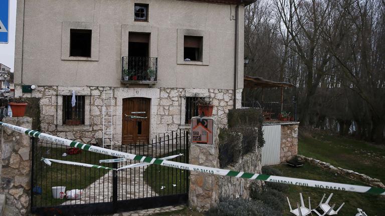 Seis muertos y cinco heridos en un incendio en una casa for Casa rural mansion terraplen seis