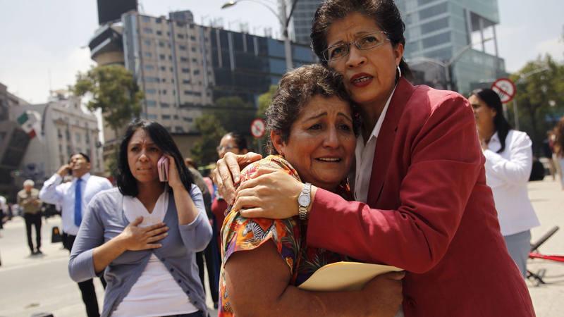 Un seísmo de magnitud 7,1 en la escala abierta de Richter ha sacudido fuertemente la capital mexicana.