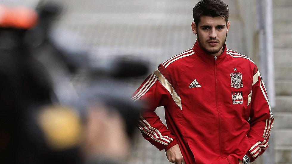 La selección española rejuvenece de los pies a la cabeza