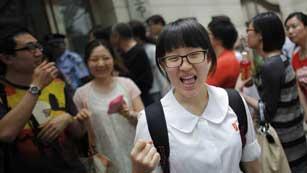 """Nueve millones de estudiantes chinos se han presentado hoy al """"gaokao"""", la selectividad"""