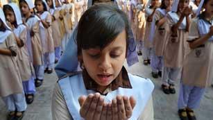 Informe Semanal: Por ser niña