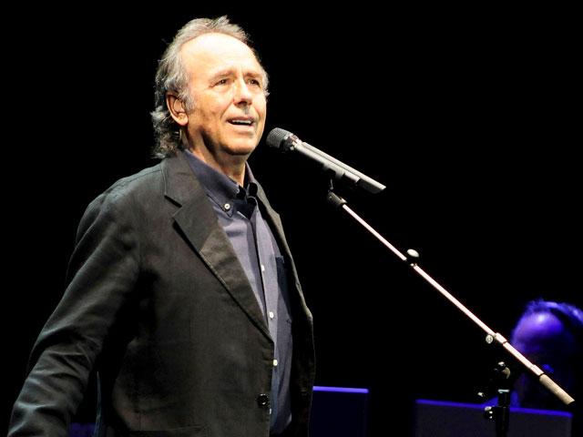 Serrat cantó los versos de Miguel Hernández