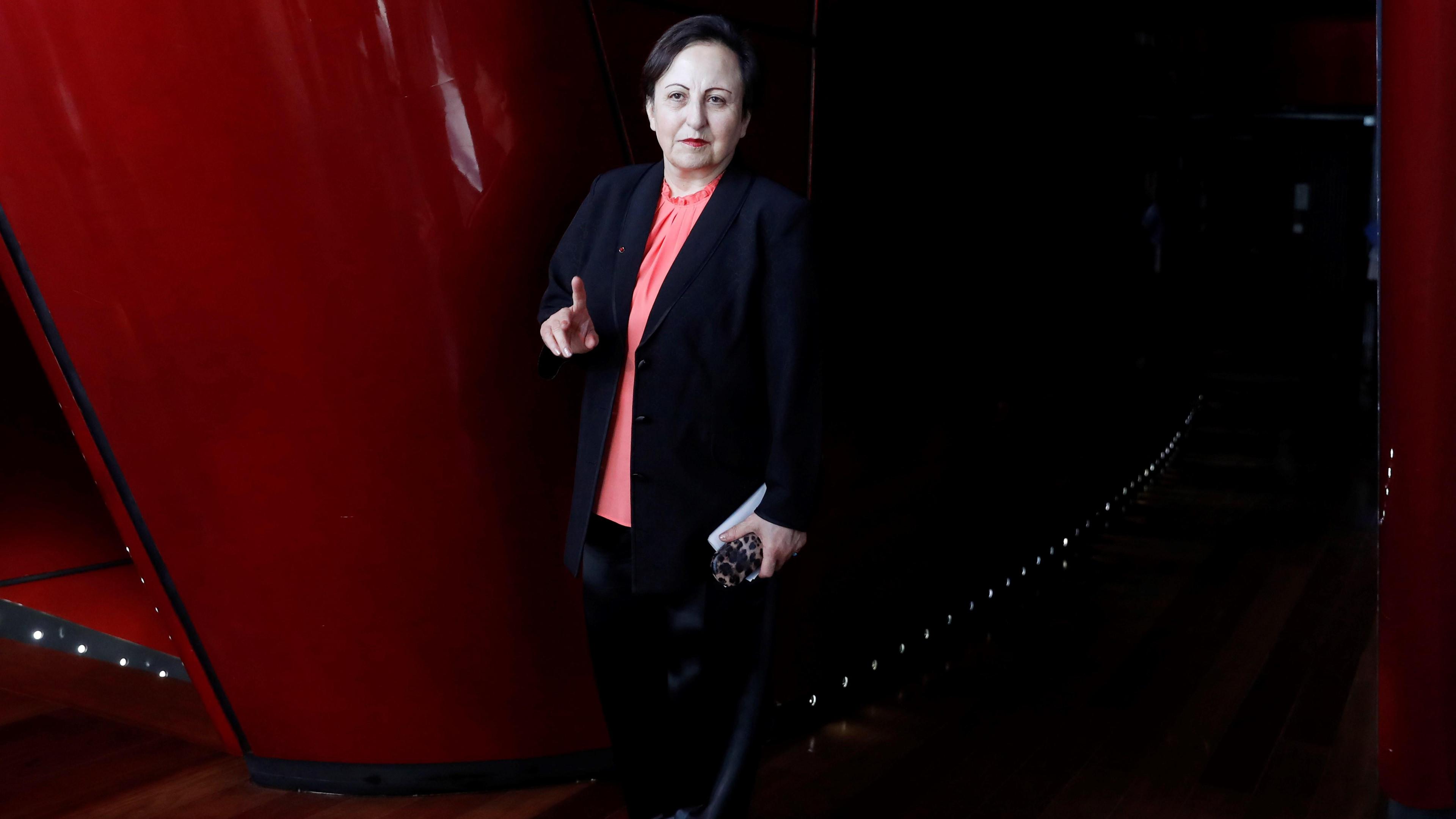"""Ir al VideoShirin Ebadi, Nobel de la Paz: """"Los gobiernos dictatoriales ven a las mujeres como su principal enemigo"""""""