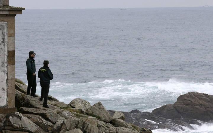 Sigue la búsqueda de los dos tripulantes del barco naufragado en A Coruña