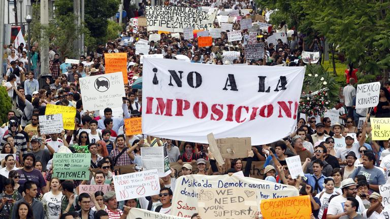 Sigue el escrutinio electoral en México en medio de las protestas por compra de votos