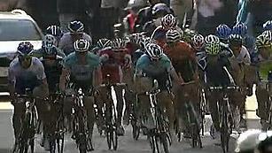Simon se lleva la quinta etapa de la Volta