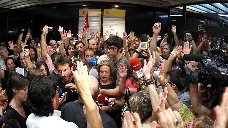 Los sindicatos anuncian protestas contra los nuevos recortes y plantan al Gobierno