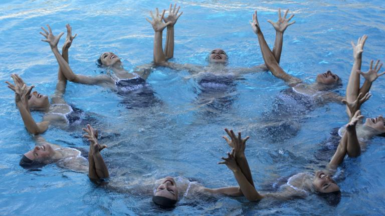 Las sirenas de la 'sincro' presentan su ejercicio para Londres
