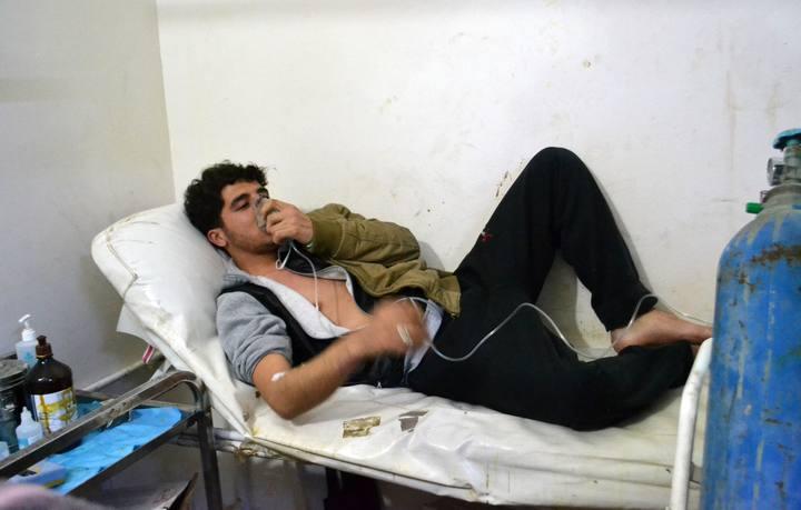 Un sirio con problemas respiratorios tras un supuesto ataque químico en Sarmin