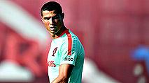 Ir al VideoLa situación de Cristiano Ronaldo eclipsa el arranque de la Copa Confederaciones