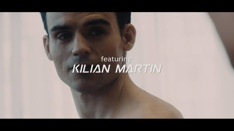 El skater madrileño Kilian Martín, campeón del mundo de Freestyle, protagonista del vídeo de Smile
