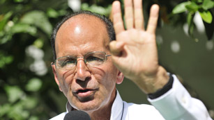 El padre Alejandro Solalinde abandona México por la amenazas de muertes recibidas